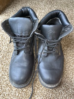 It's a work boots size 9 for Sale in Zebulon, NC