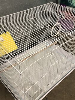 BIRD CAGE WITH FUZZY NESTING NET for Sale in Vernon,  CA