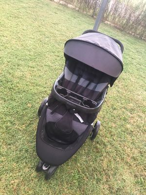Evenflo car seat and stroller for Sale in Wichita, KS