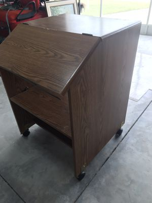 Computer desk for Sale in Ocala, FL