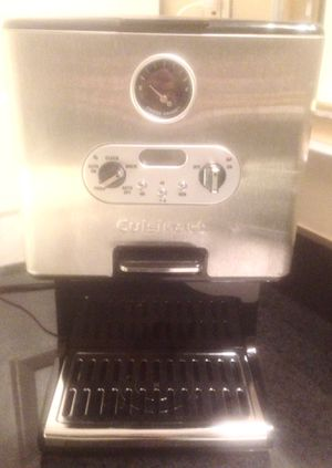 CUISINART COFFEE MAKER. PADDLE ACTIVATED SELF-SERVE, INTERNAL HEATED RESERVOIR, COFFEE LEVEL GAUGE, for Sale in Norfolk, VA