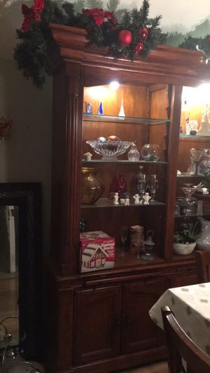 Lighted Display Case, wood with glass shelves for Sale in Midlothian, VA