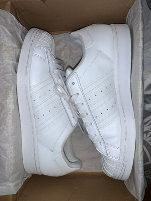 Original Adidas Superstars size SIZE 7 In women's for Sale in Los Angeles, CA