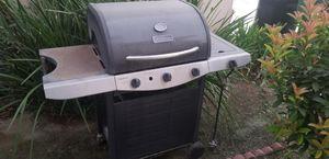 BBQ gas grill for Sale in Corona, CA