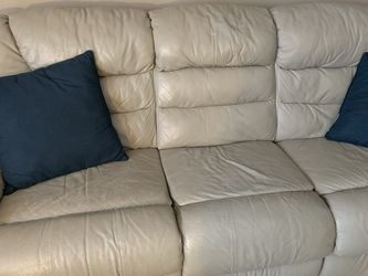 3 Seat Leather Recliner for Sale in Lansing,  IL