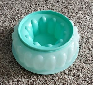 Jel Ring Mold Tupperware for Sale in Clarksville, TN