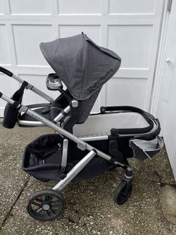UppaBaby Vista Converted To Double for Sale in Bloomfield,  NJ