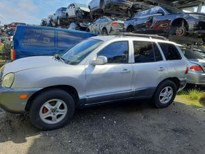 Hyundai santafe 2005 only parts for Sale in Hialeah, FL