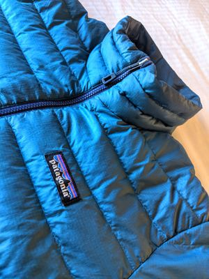 Patagonia men puffy jacket goose feathers. for Sale in Centennial, CO