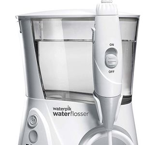 Waterpik WP-660 Water Flosser Electric Dental Countertop Professional Oral Irrigator For Teeth, Aquarius,White for Sale in Miami, FL