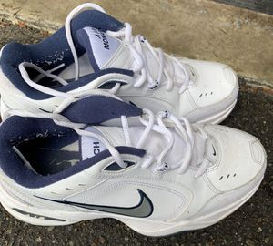 Men's size 8.5 Nike shoes for Sale in Bonney Lake, WA