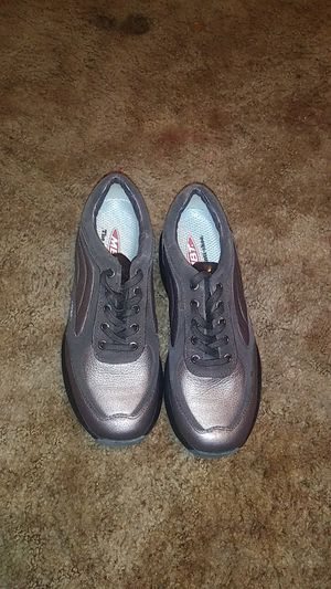 Black Casual Walking Shoe for Sale in Warren Air Force Base, WY