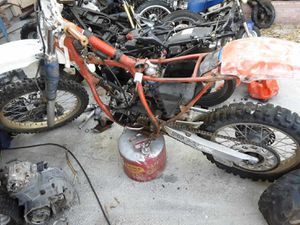 87' dirt bike 250r for Sale in Chino, CA