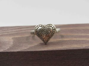 Size 7.75 Sterling Silver Unique Heart Band Ring Vintage Statement Engagement Wedding Promise Anniversary Bridal Cocktail Friendship for Sale in Lynnwood, WA