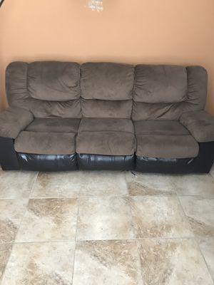 Electric and recliner couch set for Sale in Nashville, TN