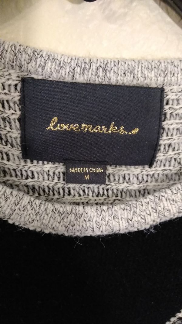 Lovemarks... Womens L/S Frayed Edge Sweater - Lrg