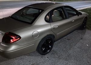 2000 Ford Taurus runs good for Sale in Baltimore, MD