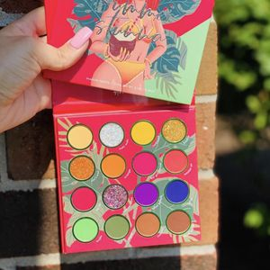Kara Beauty Summer Stunna Eyeshadow Palette for Sale in San Antonio, TX
