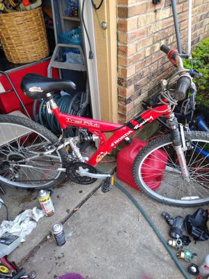 This is a Honda racing bike 300hundred made for Sale in Galloway, OH