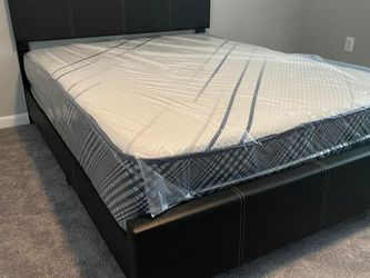 New Queen Mattress Come With Platform Bed 🛌 ( Headboard And Footboard) - Same Day Delivery for Sale in Laurel,  MD