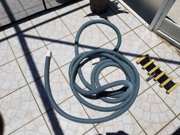 Pool Hose & vacuum attachment