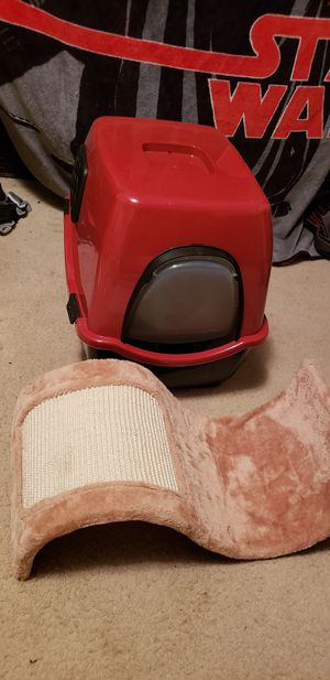 Litter box and scratching post for Sale in Chantilly, VA
