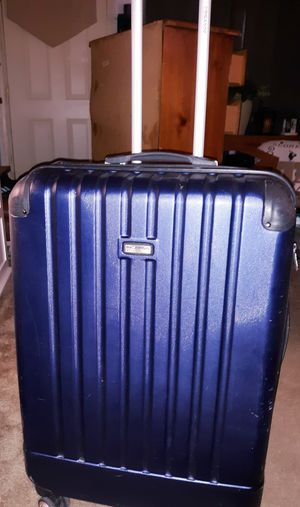 Pull along suitcase for Sale in Barberton, OH