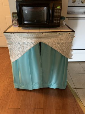 Kitchen Rolling Cart for Sale in Hartford, CT