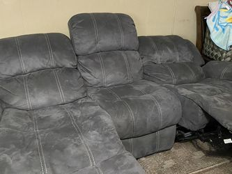 Couch And Love Seat Set for Sale in SeaTac,  WA