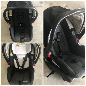 Graco snug ride car seat for Sale in Indianapolis, IN