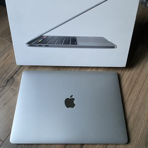 """Feb 2019 MacBook Pro 15"""" 512GB 6-Core i7 2.6GHZ 16GB Retina Touch Bar Equivalent Performance As 2020 16"""" for Sale in Los Angeles, CA"""