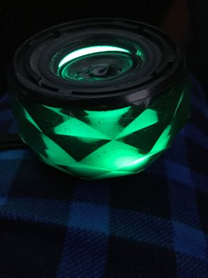 Bluetooth light up speaker for Sale in New Haven, CT