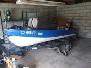 12ft fishing boat for Sale in Columbus, OH