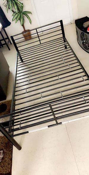 Twin bed frame for Sale in Avon Park, FL