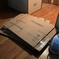 Free Moving Boxes for Sale in Bellevue,  WA