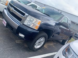 2007 Chevy Silverado z71 for Sale in Greenwood, MS