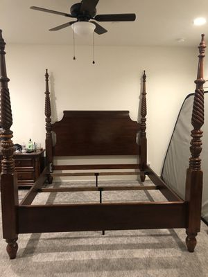 California king bed for Sale in El Cajon, CA