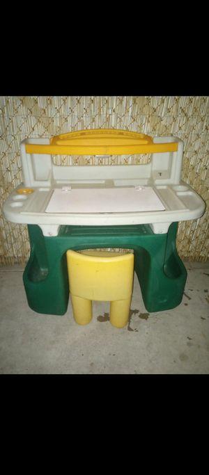 Kids desk with chair for Sale in Phoenix, AZ