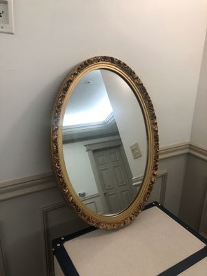 Oval Shaped Mirror for Sale in East Palo Alto, CA