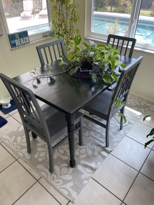 Kitchen table and chairs for Sale in Clearwater, FL