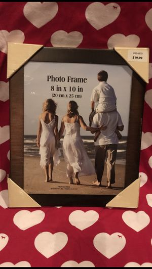 2 picture frames for Sale in Beaumont, CA