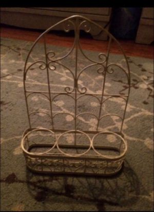 Off white metal 3 hole rack for Sale in Milnesville, PA