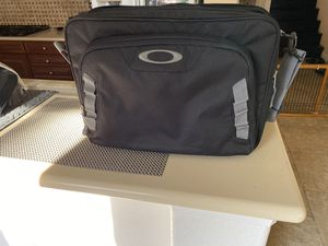 Oakley Messenger Laptop Bag for Sale in Jurupa Valley, CA