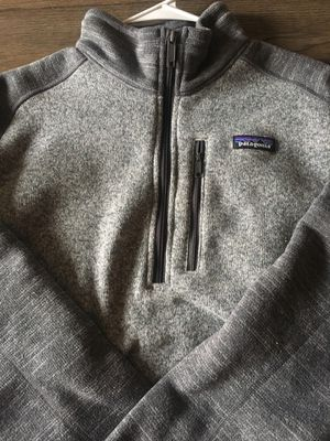 (LG) Patagonia quarterzip for Sale in Manchester, MO