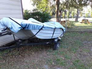 10 foot Bass boat with trailer and electric motor for Sale in Riverview, FL