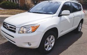 White'06 Toyota Rav4 for Sale in Cayce, SC