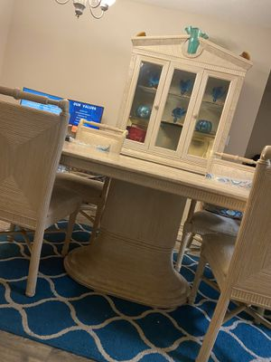 Dining room set w/ four chairs for Sale in Coral Springs, FL