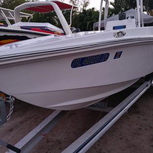 Bote 22 Pies Spirit Motor 200 Mercury Como Nuevo Ready Pal Agua for Sale in Miami, FL