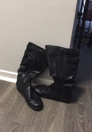 Snow boots size 7 for Sale in Smyrna, GA