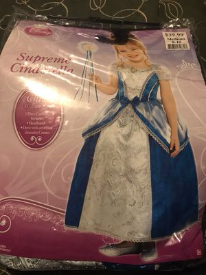 Kids medium princess costume for Sale in Columbus, OH
